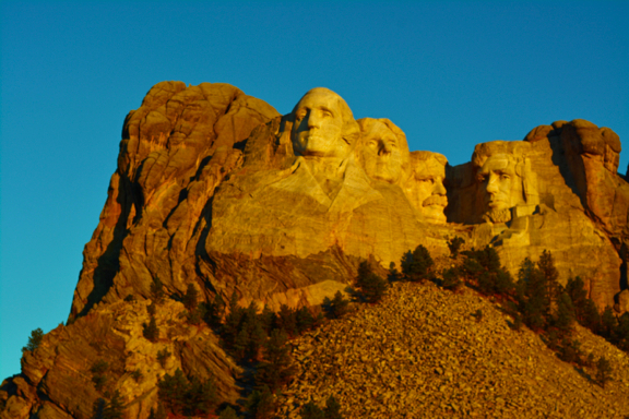 Mount Rushmore at Sunrise - Nikon 5200, kit lens 18-55mm@55mm,ISO 100, f10, 1/160s, on tripod.
